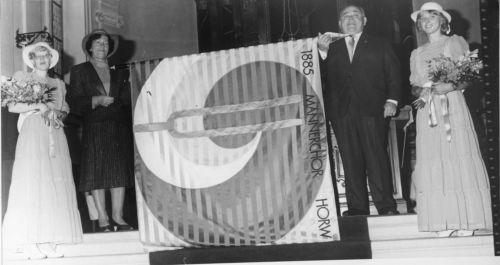 1985 feiert der Männerchor sein 100-jähriges Bestehen.