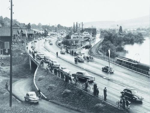 Eröffnungstag der Autobahn 1955.
