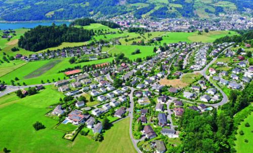 Oberrütihang, Bachtel, Felmis; im Hintergrund Grämlis- und Längacherwald, 2019