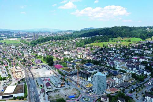 Dorfzentrum mit Gemeindehaus, Oberstufen- und Allmendschulhaus, 2019