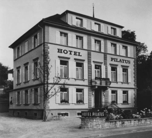 Das Hotel Pilatus.