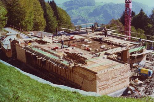 Bau des «neuen» Hotels Schwendelberg im Jahre 1976.